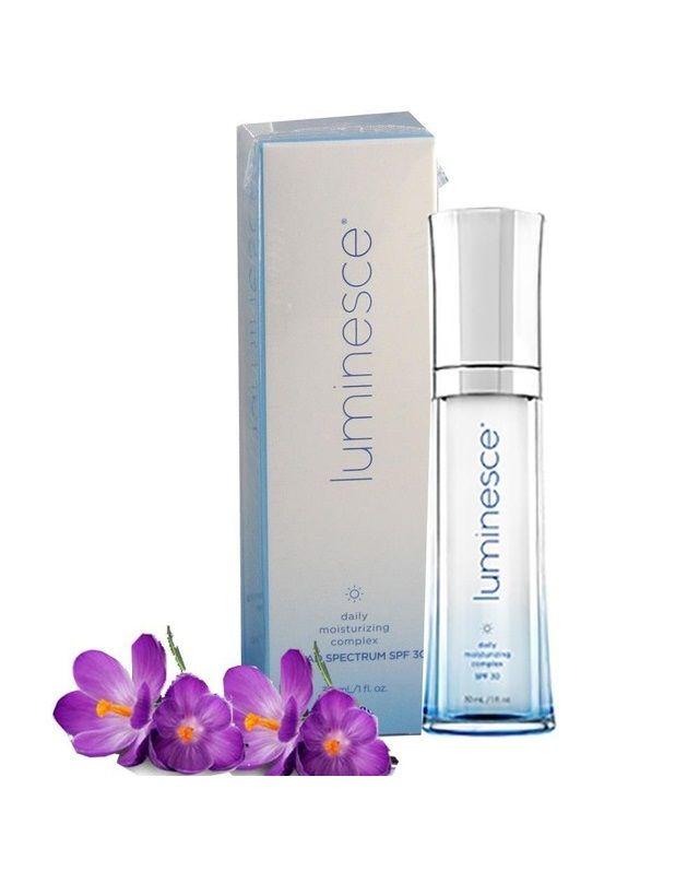 jeunesse-luminesce-daily-moisturizing-complex